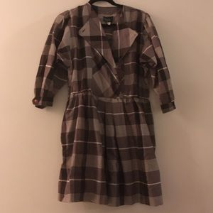 Great vintage plaid dress! Flattering button style